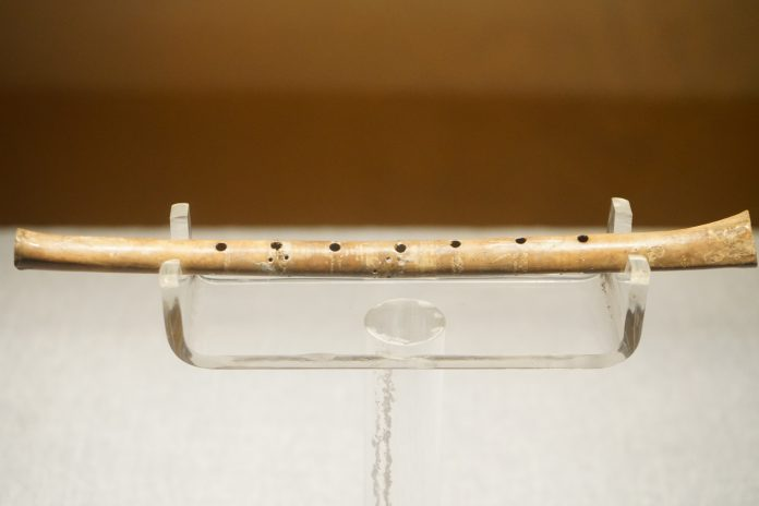 musica neolitico flauto melodia strumenti musicali