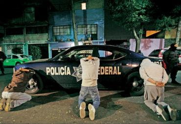 Proibizionismo chiama violenza