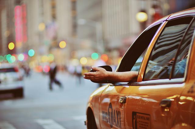 Quanto si risparmia condividendo una corsa in taxi?