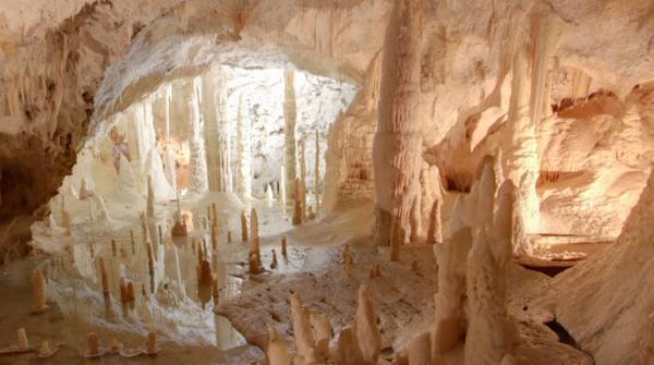 Alle Grotte di Frasassi con Google Street View