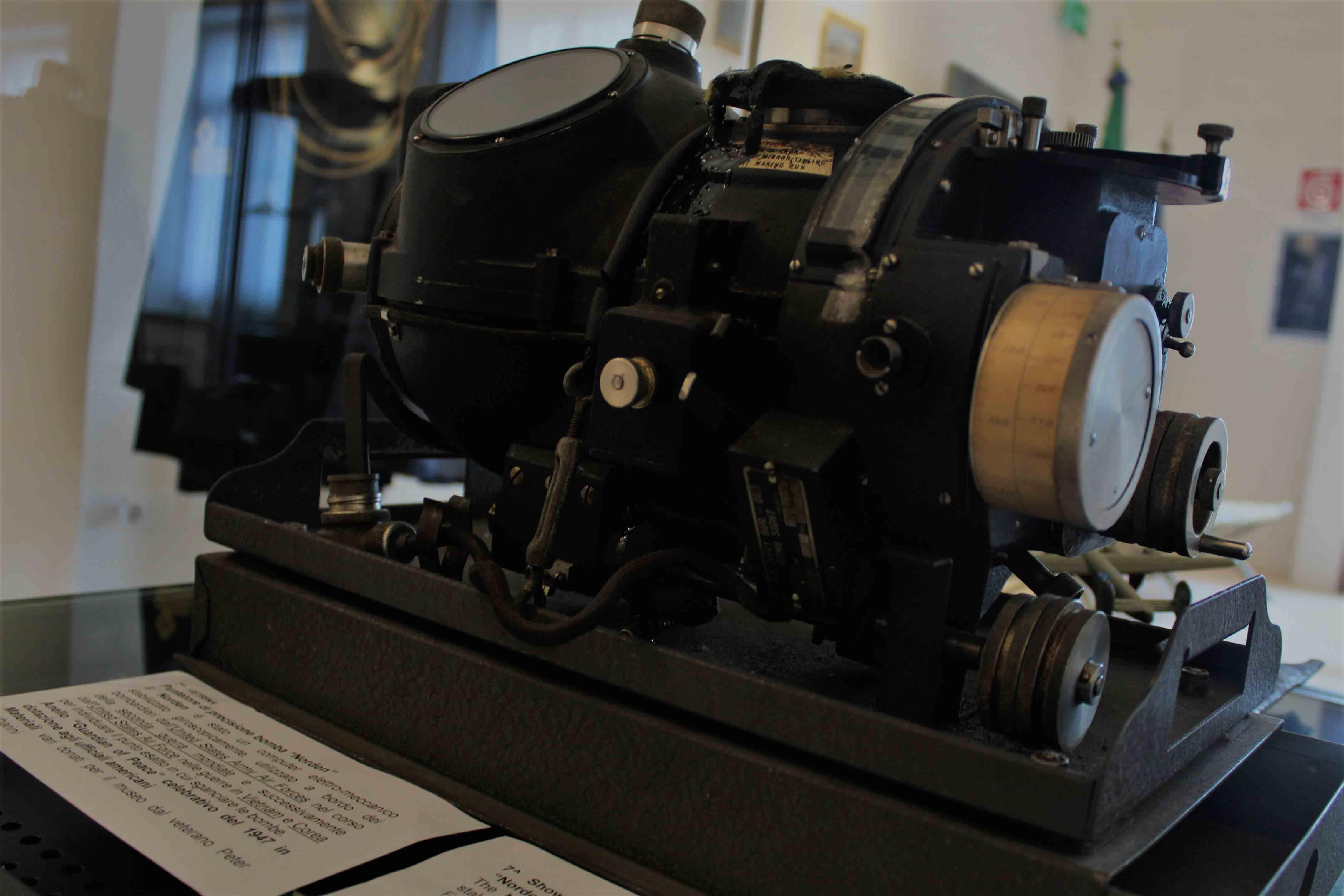 Nolder compurer eletttromeccanico Bombardiere