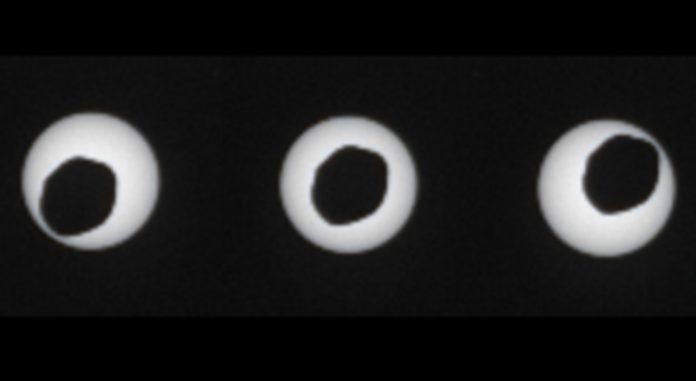 eclissi su marte