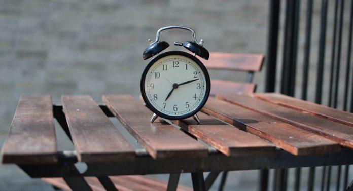 obesità ritmi circadiani orologio biologico sonno alimentazione