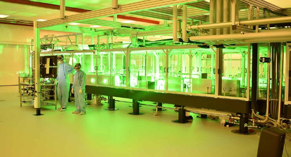 materia dalla luce energia raggi gamma laser